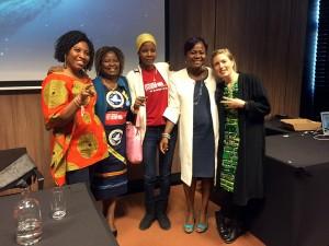 IKFF växer så det knakar, inte minst i Väst- och Centralafrika. Nu har en IKFF-grupp bildats i Tchad och samarbetet mellan sektionerna stärker arbetet på lokal, regional och internationell nivå. Bilden togs under vårt 100-årsfirande i Haag 2015, första gången vi träffade den då blivande gruppen i Tchad. Från vänster: Joy Onyesoh (ordförande IKFF Nigeria), Annie Matundu-Mbambi (ordförande IKFF DR Kongo), Djibrine Souleymane Amalkher (ordförande IKFF Tchad), Sylvie Ndongmo (ordförande IKFF Kamerun) och Tove Ivergård (internationell handläggare IKFF Sverige).